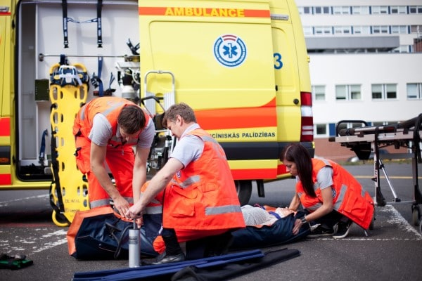 NMPD mediķi aicina svinēt svētkus bez raizēm, padomājot par savu un tuvinieku drošību