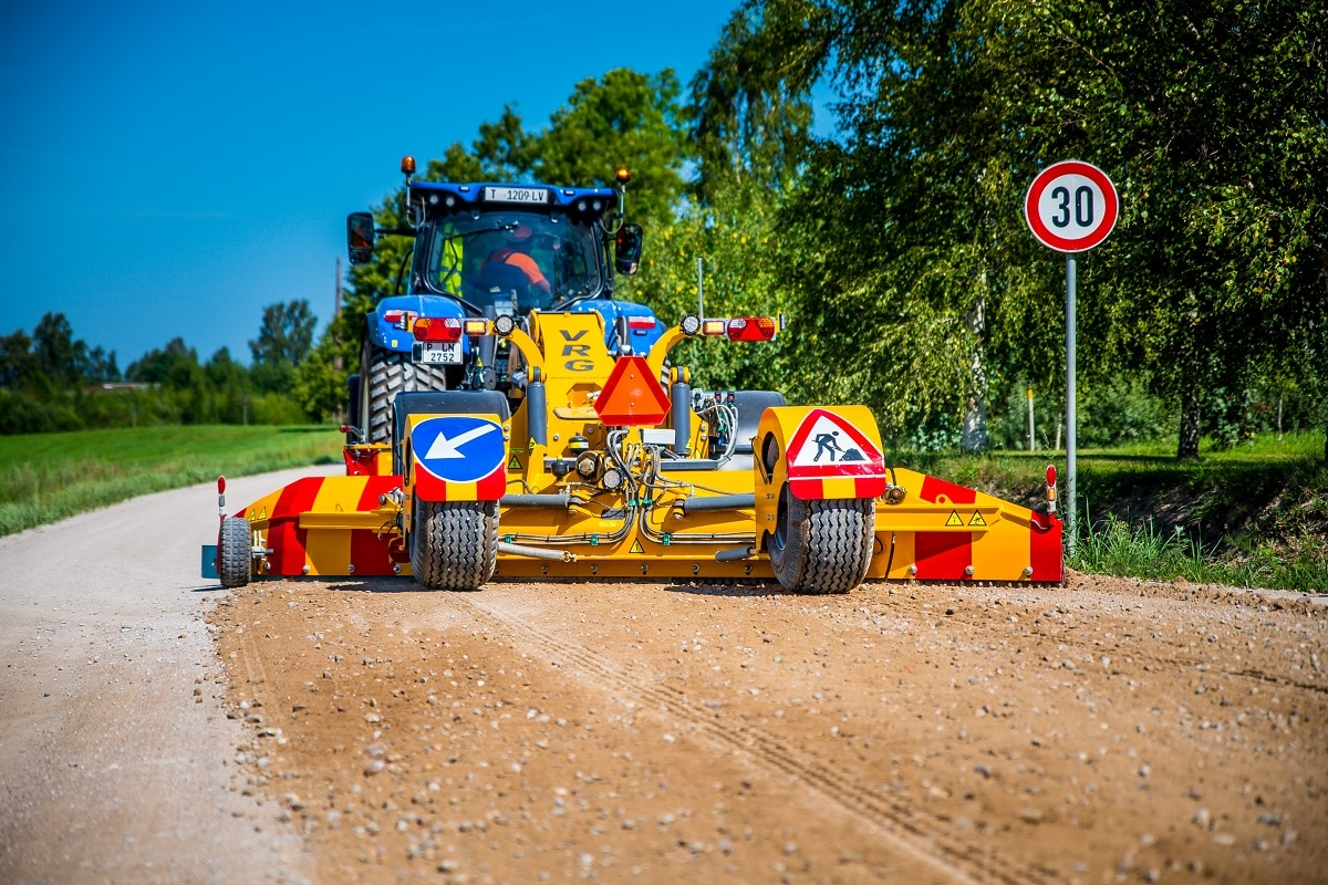 Autoceļu uzturētājs šogad greiderēšanas darbus veicis vairāk nekā 95000 km garumā