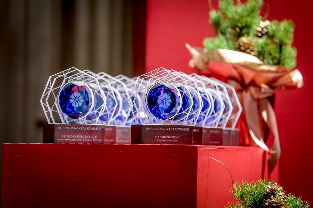 """Konkursa """"Smiltenes novada uzņēmējs"""" laureāti tiekas ar Valsts prezidentu un saņem pašvaldības balvas"""