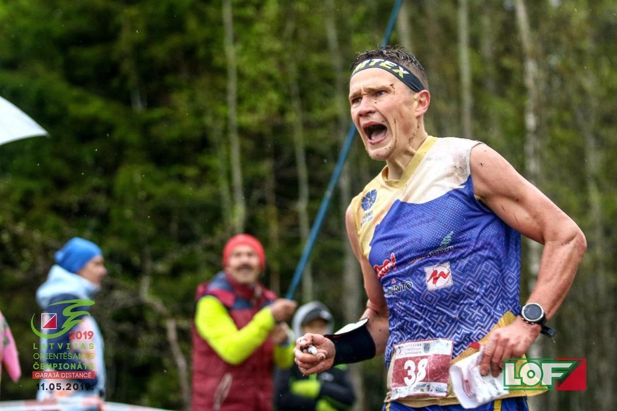 Smiltenes novada gada labāko sportistu titulus iegūst Mūze un Pauliņš