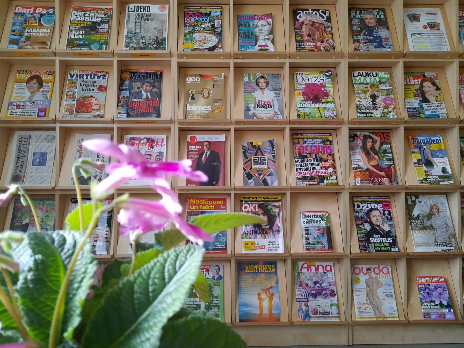 Bibliotēkās pieejams daudzpusīgs periodisko izdevumu klāsts