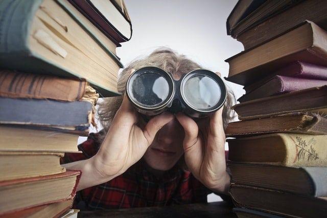 """Kas Tev nāk prātā, dzirdot vārdu """"bibliotēka""""?"""