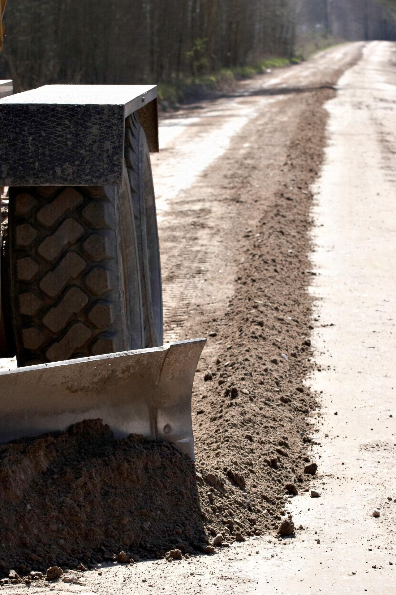 LAU veicis grants autoceļu greiderēšanu vairāk nekā 31 000 km garumā