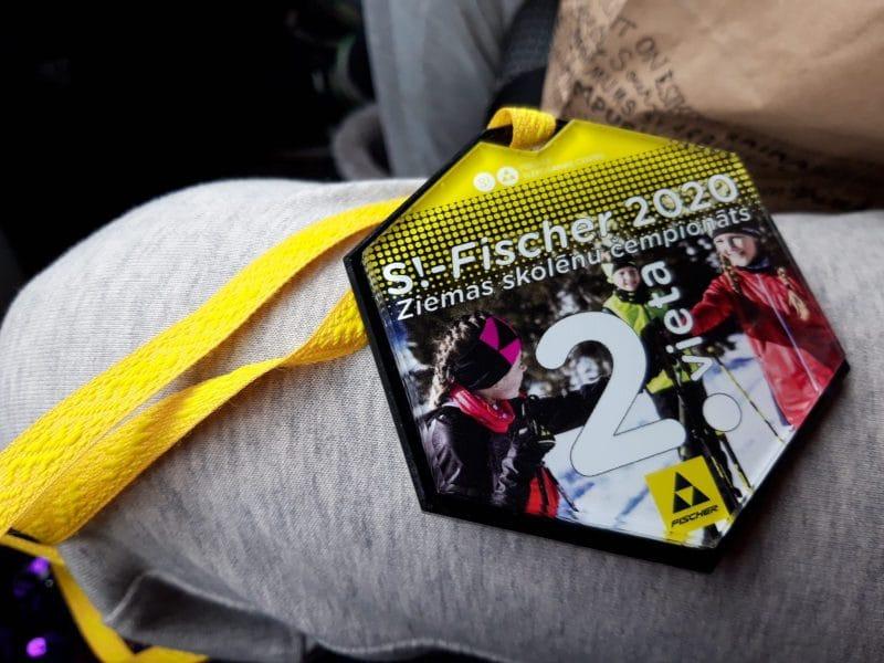 Grundzāles pamatskolas skolniecei Elzai Lucānei  2. vieta distanču slēpošanas čempionāta pirmajā posmā.