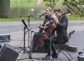 Rudens noskaņu koncerts ar Emīliju Kati Tomsoni un Paulu Ēriku Skujiņu. Foto: A. Ļeļeva