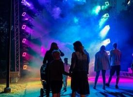 """Vecā parka nakts pastaigu taka """"Teiksma par gaismas bruņinieku""""  17.-18.07.2020( A.Melderis)"""