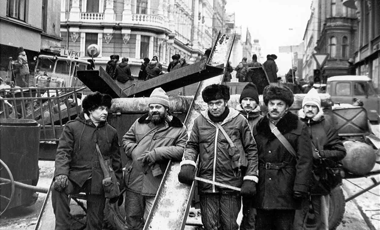 Smiltenes novada Kultūras centrs izstādīs pilsētas centrā foto ekspozīciju, veltītu barikāžu 30 gadu atceres dienām