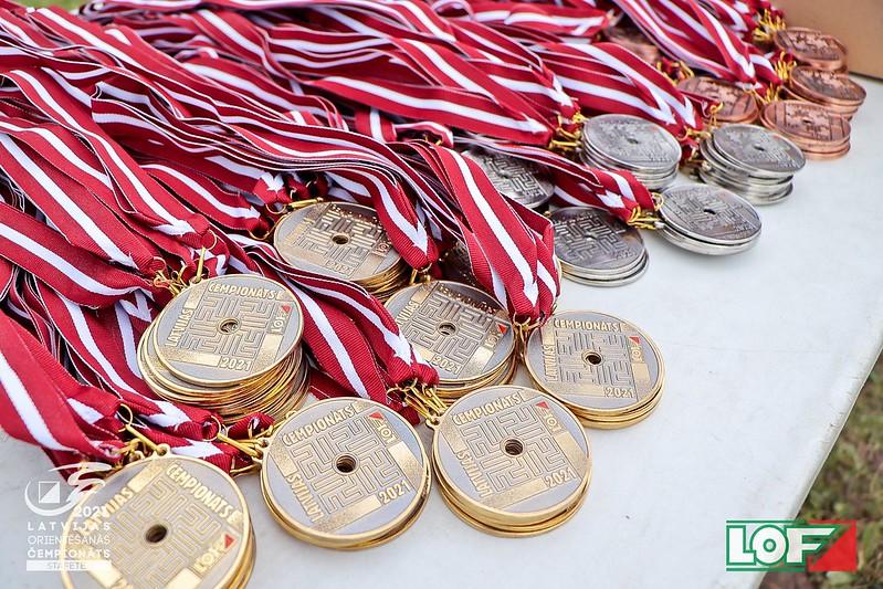 OK Azimuts komandas izcīna godalgotas vietas Latvijas čempionātā